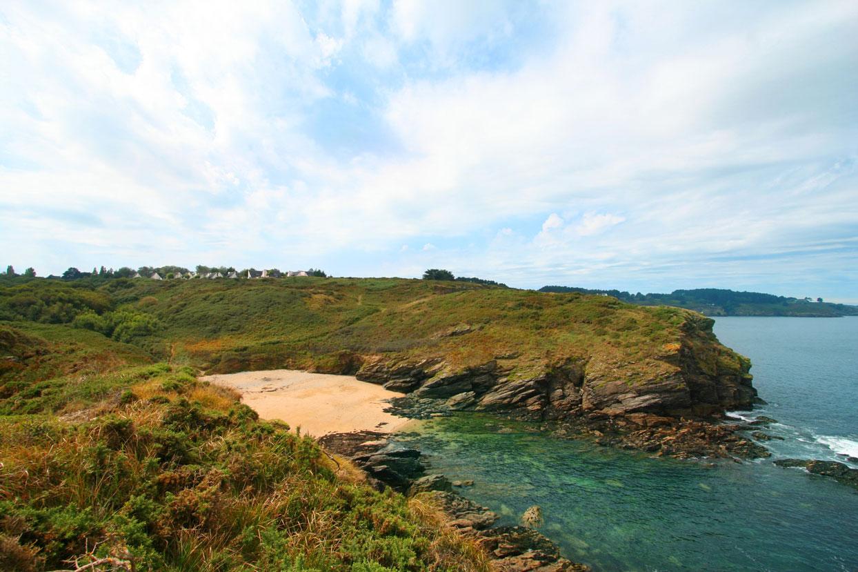 La plage de PortCollen à 5 minutes à pied de la maison