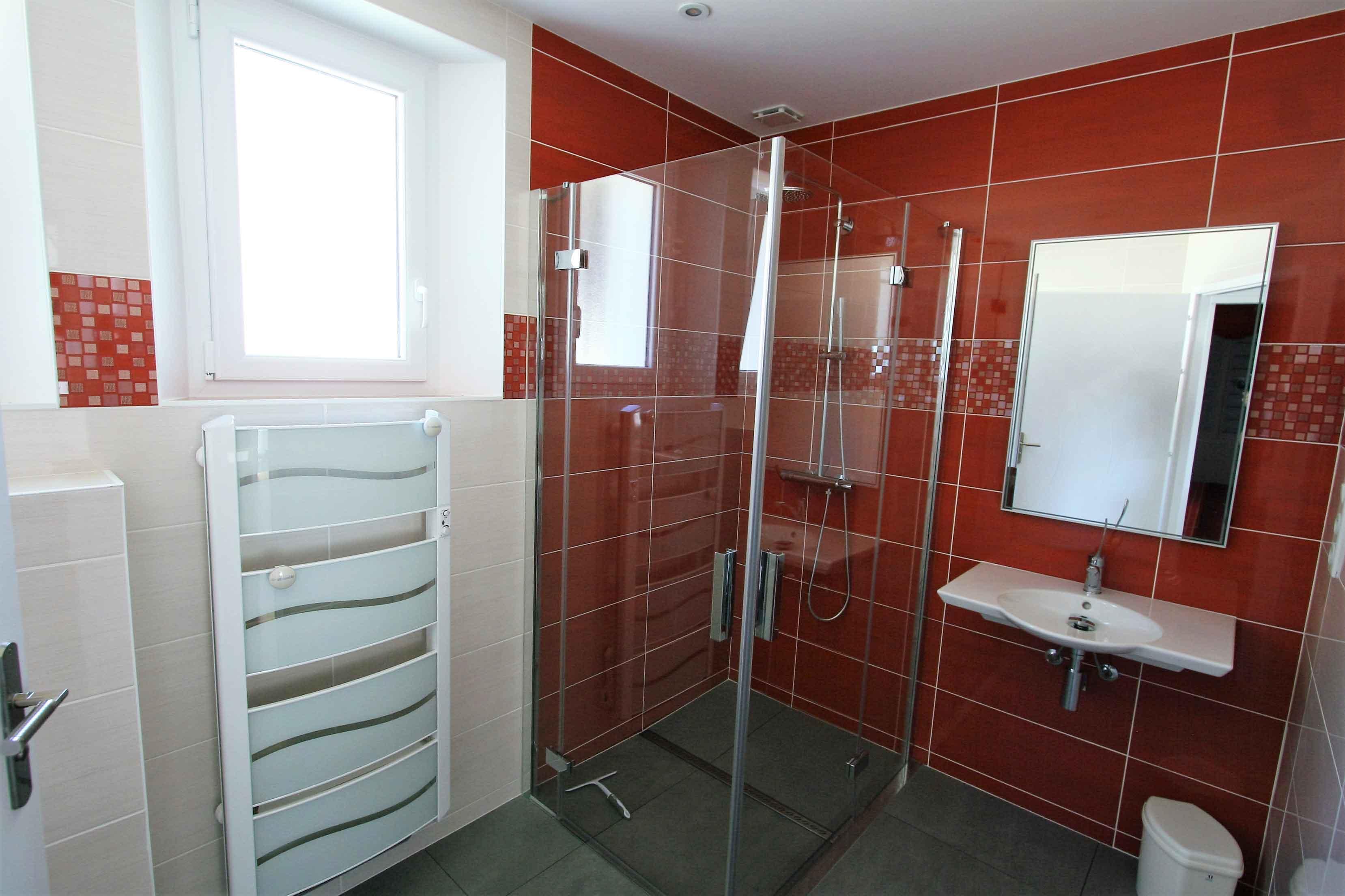 La salle de bain au rez de chaussée